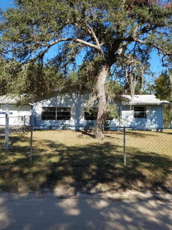 17201 NE 38th Lane Road, Silver Springs, FL 34488 (MLS #527617) :: Realty Executives Mid Florida