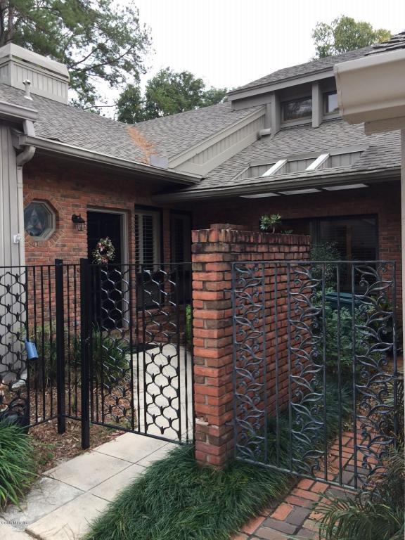 1795 SE Clatterbridge Road, Ocala, FL 34471 (MLS #528803) :: Bosshardt Realty