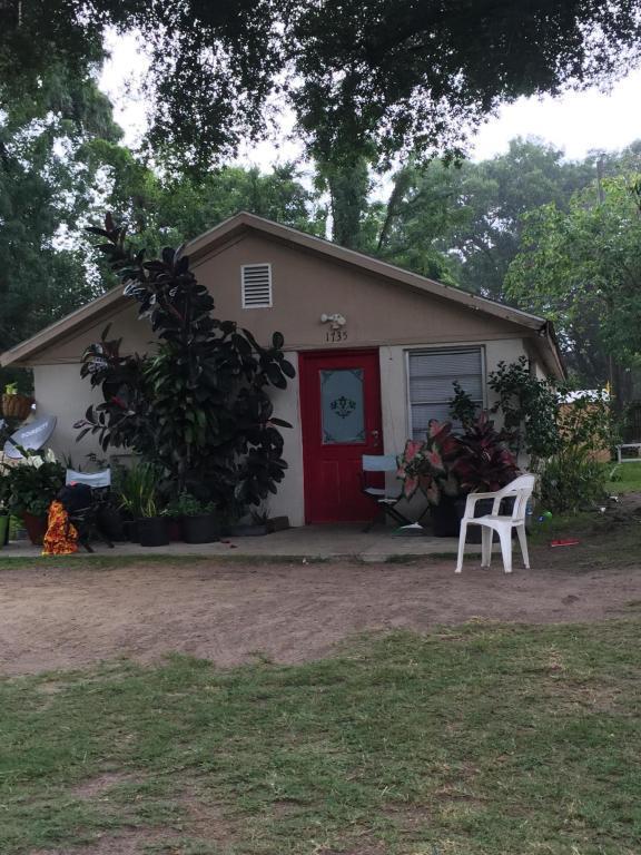 1735 SW 1st Street, Ocala, FL 34475 (MLS #529134) :: Realty Executives Mid Florida