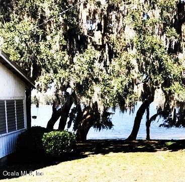 10641 SE 144th Place, Summerfield, FL 34491 (MLS #531576) :: Pepine Realty