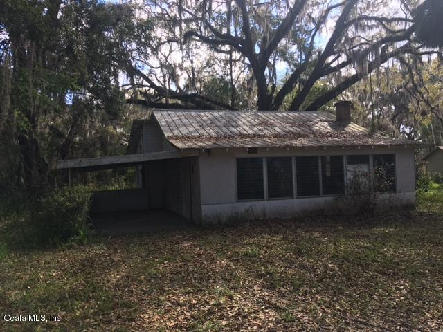 12369 SE 130th Court, Ocklawaha, FL 32179 (MLS #531939) :: Bosshardt Realty