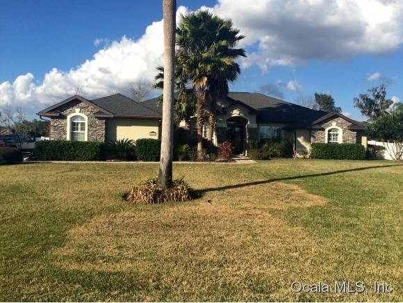 3827 SE 40th Street, Ocala, FL 34480 (MLS #533493) :: Bosshardt Realty