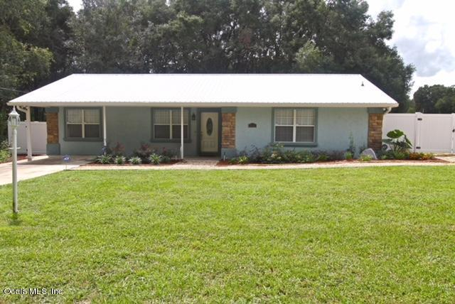 3420 SE 135th Lane, Summerfield, FL 34491 (MLS #533691) :: Bosshardt Realty
