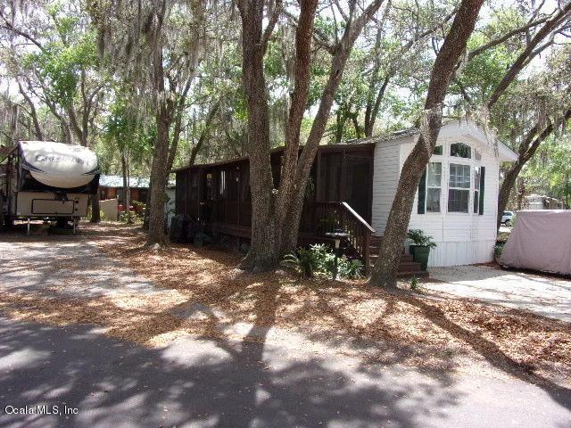 25300 NE 140 Place, Salt Springs, FL 32134 (MLS #534527) :: Bosshardt Realty