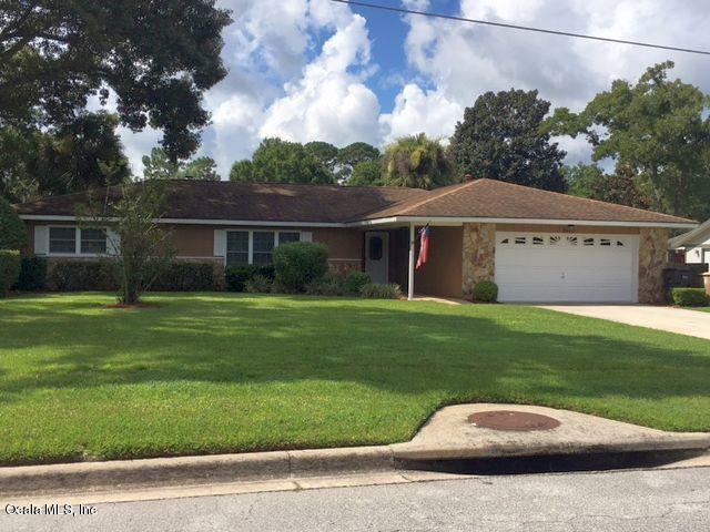3972 SE 17 Place, Ocala, FL 34471 (MLS #534695) :: Pepine Realty