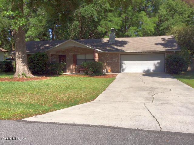 3243 NE 31 Avenue, Ocala, FL 34479 (MLS #534837) :: Bosshardt Realty