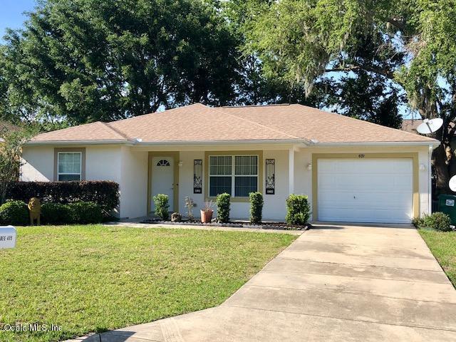 409 Cierra Oaks Circle, Lady Lake, FL 32159 (MLS #535001) :: Realty Executives Mid Florida