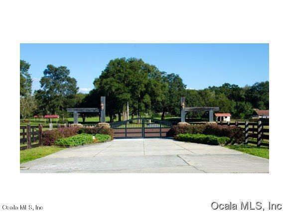 9520 SW 24th Avenue, Ocala, FL 34476 (MLS #535101) :: Realty Executives Mid Florida