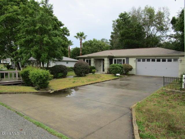 10405 SW 60 Terrace, Ocala, FL 34476 (MLS #536602) :: Bosshardt Realty