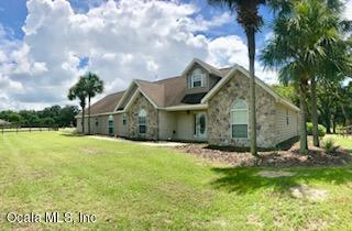 19950 SE 15th Place, Morriston, FL 32668 (MLS #537401) :: Realty Executives Mid Florida