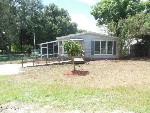 10184 SE 149th Place, Summerfield, FL 34491 (MLS #541297) :: Bosshardt Realty