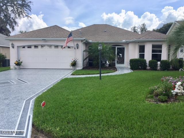 904 Algonquin Road, Lady Lake, FL 32159 (MLS #542818) :: Bosshardt Realty