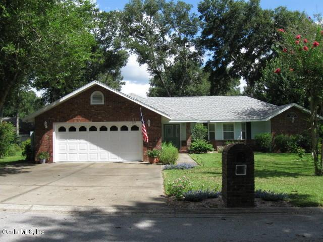 5019 NE 8th Street, Ocala, FL 34470 (MLS #543221) :: Realty Executives Mid Florida