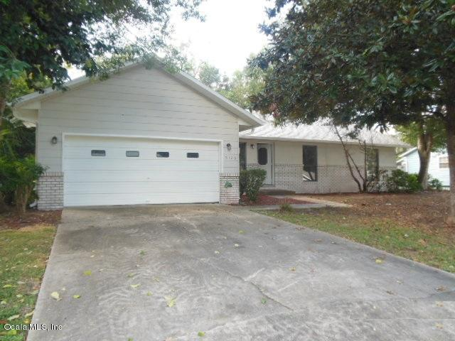 5126 SE 24th Place, Ocala, FL 34480 (MLS #544178) :: Bosshardt Realty