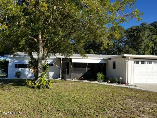 9195 SW 104th Lane, Ocala, FL 34481 (MLS #544762) :: Bosshardt Realty