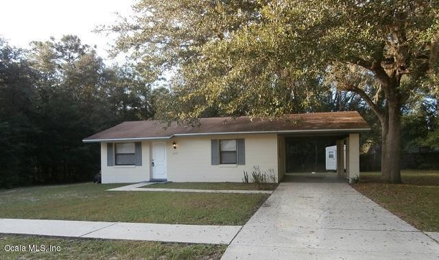 2265 W Eric Drive, Citrus Springs, FL 34434 (MLS #544780) :: Bosshardt Realty