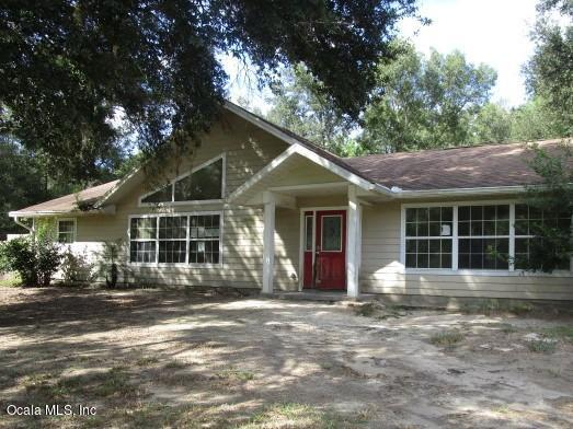 13545 SW 100th Street, Dunnellon, FL 34432 (MLS #545179) :: Bosshardt Realty