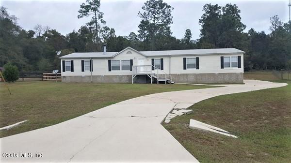 16160 NE 2nd Loop, Silver Springs, FL 34488 (MLS #545622) :: Pepine Realty