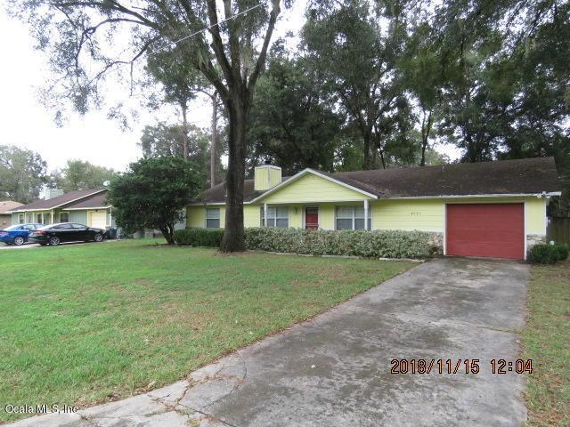 4025 NE 29th Court, Ocala, FL 34479 (MLS #547028) :: Bosshardt Realty