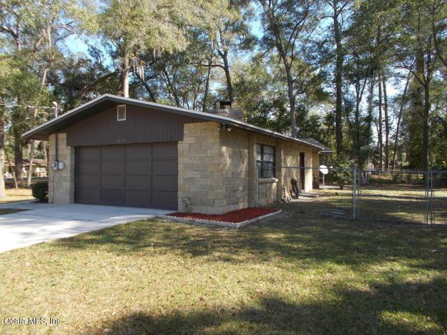 4010 NE 7th Street, Ocala, FL 34470 (MLS #547602) :: Realty Executives Mid Florida