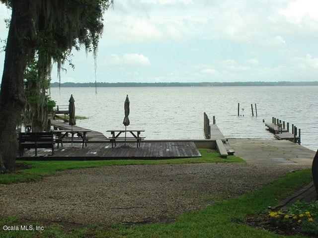 21112 NE 101st Avenue, Waldo, FL 32694 (MLS #547728) :: Realty Executives Mid Florida
