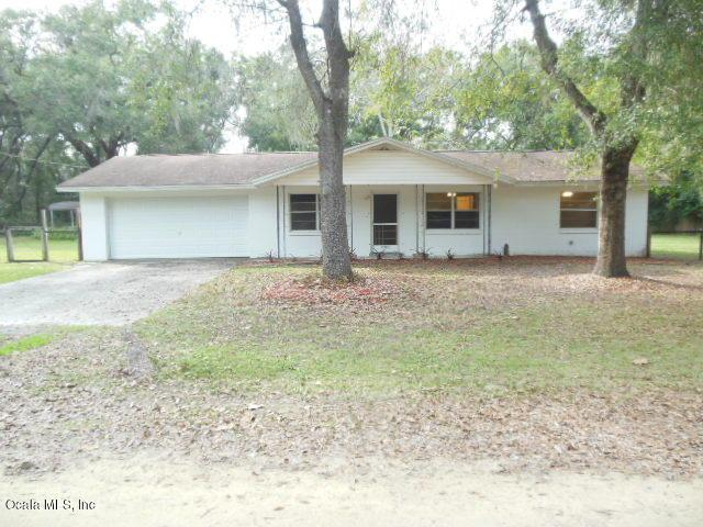 12330 SE 130th Avenue, Ocklawaha, FL 32179 (MLS #548423) :: Pepine Realty