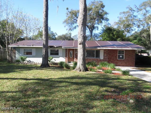 2104 SW 42nd Avenue, Ocala, FL 34474 (MLS #549779) :: Realty Executives Mid Florida