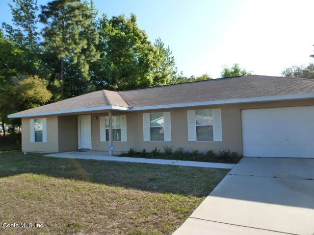 5245 SE 70TH Avenue, Ocala, FL 34472 (MLS #553312) :: Thomas Group Realty