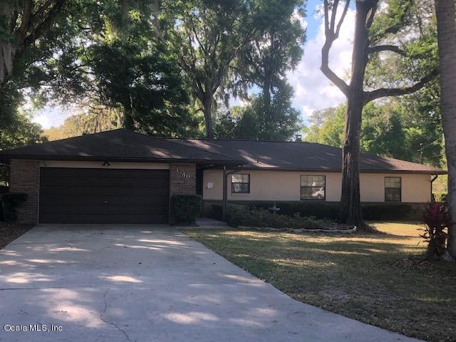 1740 SE 39th Terrace, Ocala, FL 34471 (MLS #553347) :: Pepine Realty
