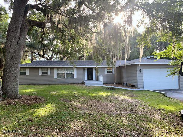 24 Emerald Drive, Ocala, FL 34472 (MLS #555015) :: Realty Executives Mid Florida