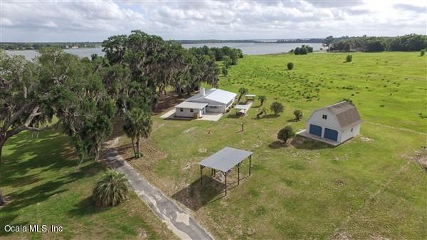 11155 SE Sunset Harbor Road, Summerfield, FL 34491 (MLS #555648) :: Pepine Realty