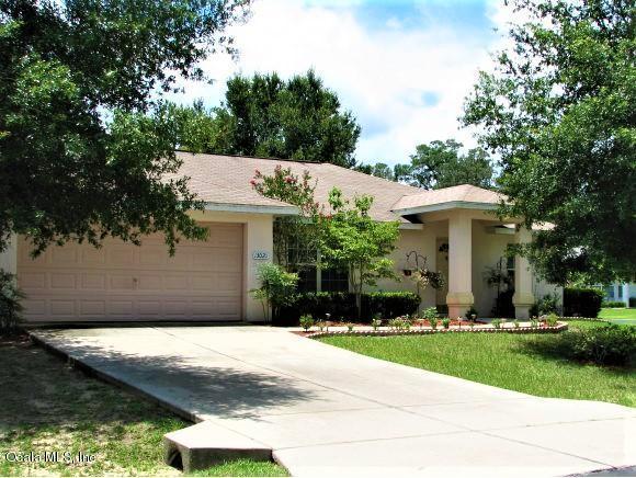 13020 NE 7th Loop, Silver Springs, FL 34488 (MLS #556708) :: Bosshardt Realty