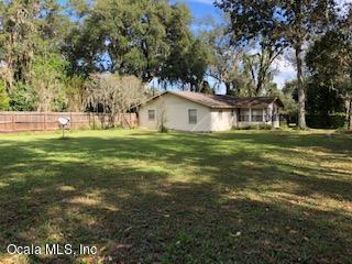 5930 NW 193rd Lane, Micanopy, FL 32667 (MLS #557433) :: Bosshardt Realty
