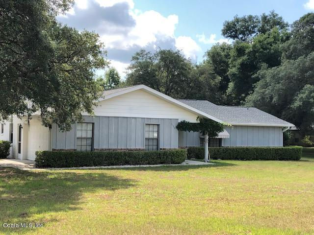10319 SW 65TH Terrace, Ocala, FL 34476 (MLS #557637) :: Bosshardt Realty