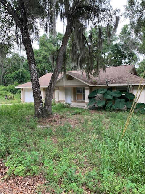 10 Emerald Trail, Ocala, FL 34472 (MLS #558178) :: Realty Executives Mid Florida