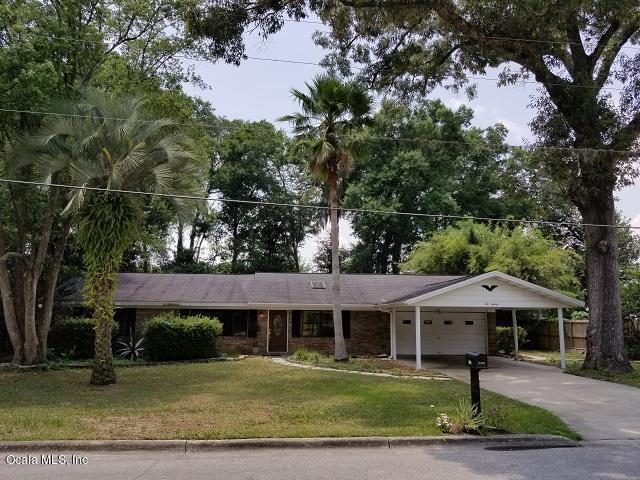 1020 NE 32nd Terrace, Ocala, FL 34470 (MLS #558923) :: Pepine Realty