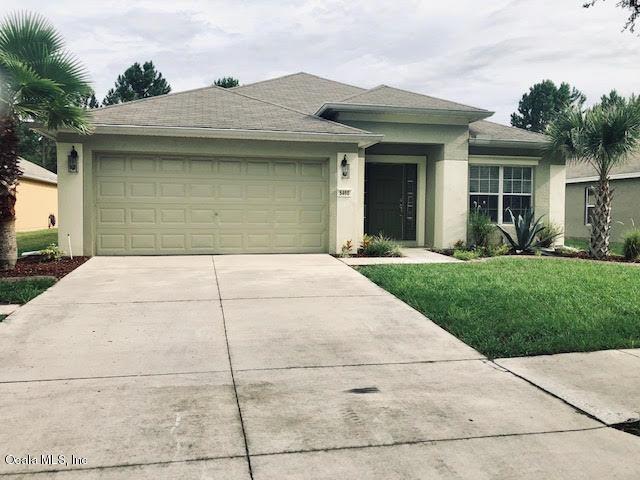 5460 SW 41st Street, Ocala, FL 34474 (MLS #559371) :: Bosshardt Realty