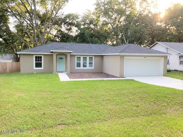 52 Almond Pass Drive, Ocala, FL 34472 (MLS #559815) :: Globalwide Realty