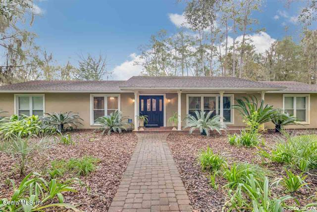 5212 NW 16th Place, Gainesville, FL 32605 (MLS #560451) :: Bosshardt Realty