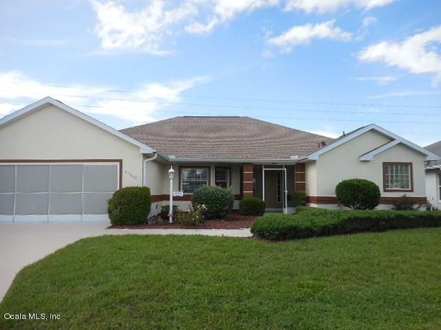 17048 SE Se 115th Terrace Rd Road, Summerfield, FL 34491 (MLS #560462) :: Realty Executives Mid Florida