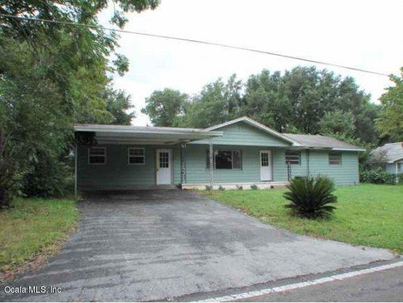 4516 NE 8th Street, Ocala, FL 34470 (MLS #560724) :: Bosshardt Realty