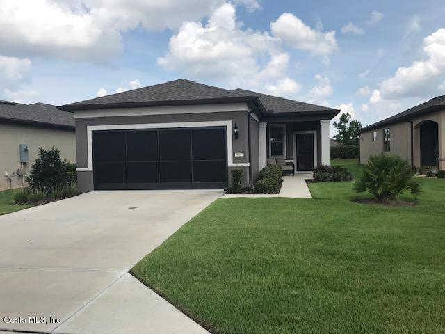 9667 SW 76th Lane Road, Ocala, FL 34481 (MLS #560980) :: Bosshardt Realty