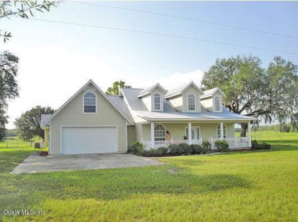 9451 NE 107th Ct., Archer, FL 32618 (MLS #565524) :: Bosshardt Realty