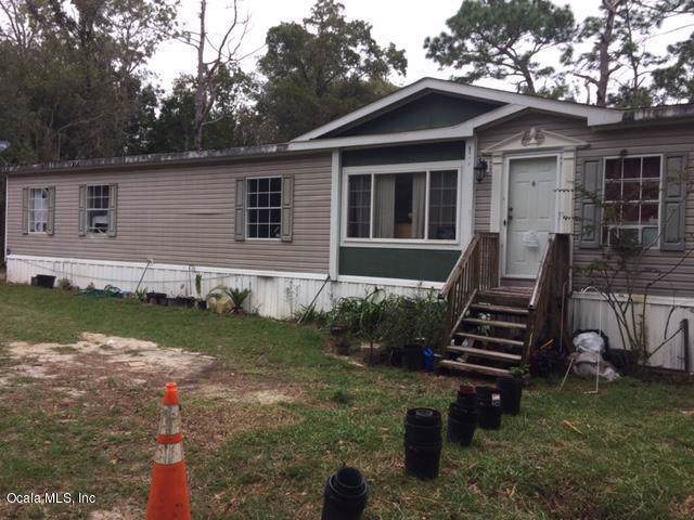 8217 W Scotch Pine Lane, Crystal River, FL 34428 (MLS #566979) :: Bosshardt Realty