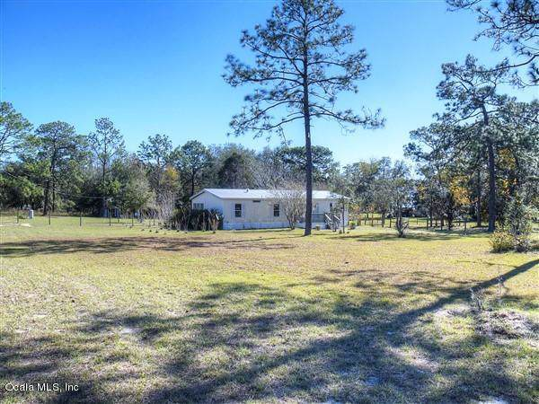 6691 SE 190th Court, Morriston, FL 32668 (MLS #567148) :: Realty Executives Mid Florida