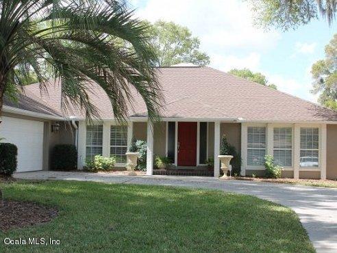 3220 SE 20 Avenue, Ocala, FL 34471 (MLS #533553) :: Bosshardt Realty