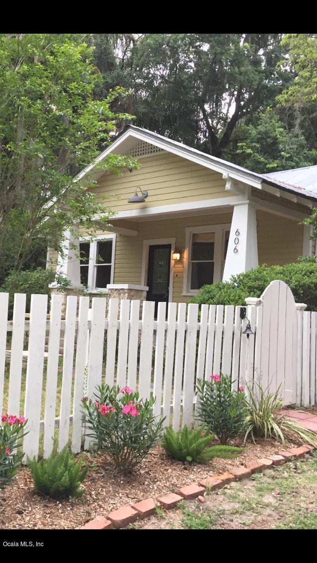 606 SE 10th Street, Ocala, FL 34471 (MLS #538722) :: Bosshardt Realty