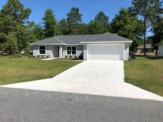 7161 SE 124th Street, Belleview, FL 34420 (MLS #553857) :: Bosshardt Realty