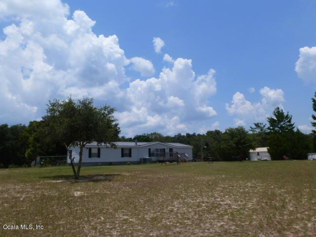 15265 SE 113th Street Road, Ocklawaha, FL 32179 (MLS #559097) :: Pepine Realty