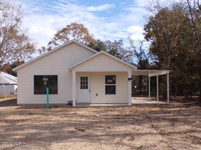 55 Magnolia Drive, Ocklawaha, FL 32179 (MLS #567236) :: Realty Executives Mid Florida